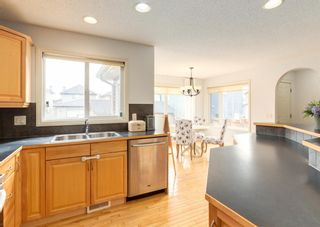 Photo 9: 64 Prestwick Manor SE in Calgary: McKenzie Towne Detached for sale : MLS®# A1092528