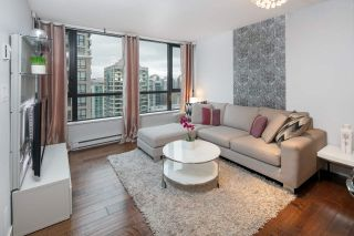 """Photo 9: 2604 977 MAINLAND Street in Vancouver: Yaletown Condo for sale in """"YALETOWN PARK III"""" (Vancouver West)  : MLS®# R2122379"""