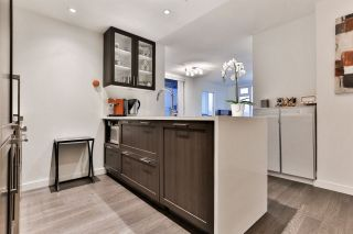 """Photo 2: 1904 5665 BOUNDARY Road in Vancouver: Collingwood VE Condo for sale in """"Wall Centre Central Park"""" (Vancouver East)  : MLS®# R2522154"""