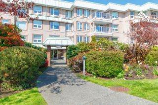 Photo 2: 312 9650 First St in Sidney: Si Sidney South-East Condo for sale : MLS®# 870504
