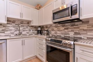 Photo 3: 25 2070 Amelia Ave in : Si Sidney North-East Row/Townhouse for sale (Sidney)  : MLS®# 777004