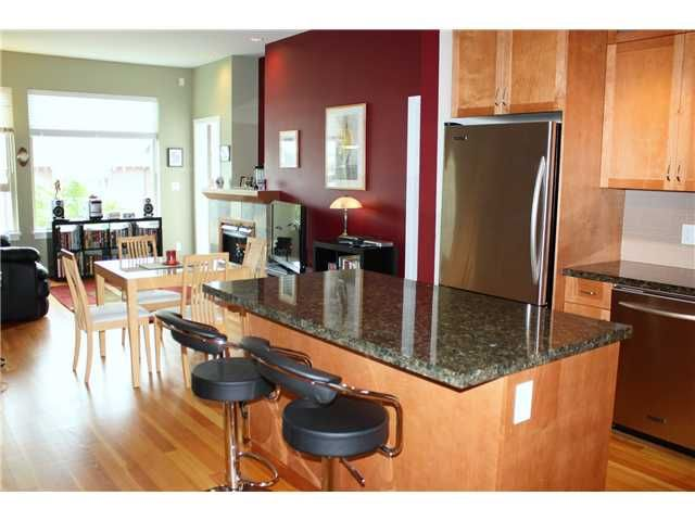 """Main Photo: 211 250 SALTER Street in New Westminster: Queensborough Condo for sale in """"PADDLERS LANDING"""" : MLS®# V901158"""