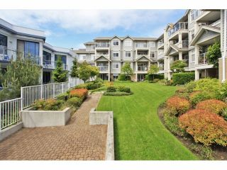 """Photo 16: 105 15621 MARINE Drive: White Rock Condo for sale in """"Pacific Point"""" (South Surrey White Rock)  : MLS®# F1320279"""