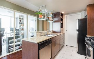 """Photo 6: 1101 583 BEACH Crescent in Vancouver: Yaletown Condo for sale in """"TWO PARK WEST"""" (Vancouver West)  : MLS®# R2578199"""