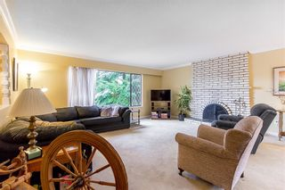 Photo 3: 3497 HASTINGS Street in Port Coquitlam: Woodland Acres PQ House for sale : MLS®# R2126668