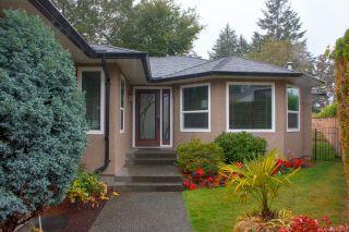 Photo 2: 3986 Blue Ridge Pl in Saanich: SW Strawberry Vale House for sale (Saanich West)  : MLS®# 859513