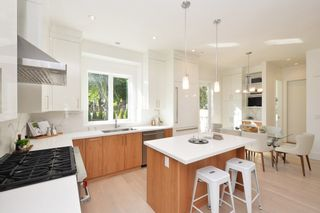 """Photo 4: 88 E 26TH Avenue in Vancouver: Main House for sale in """"MAIN STREET"""" (Vancouver East)  : MLS®# R2108921"""