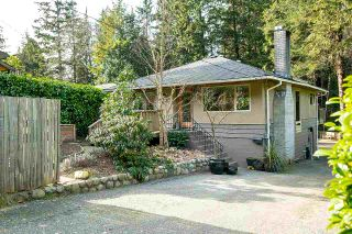 Photo 1: 1935 PARKSIDE Lane in North Vancouver: Deep Cove House for sale : MLS®# R2539750