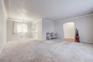 Photo 4: 2019 38 Street SW in Calgary: Glendale Detached for sale : MLS®# C4214802