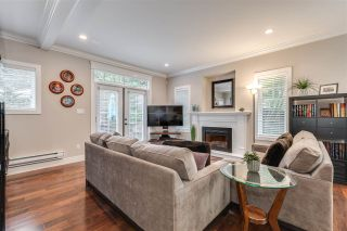 """Photo 2: 119 3333 DEWDNEY TRUNK Road in Port Moody: Port Moody Centre Townhouse for sale in """"CENTRE POINT"""" : MLS®# R2408387"""