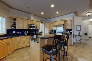Photo 11: 417 OZERNA Road in Edmonton: Zone 28 House for sale : MLS®# E4214159