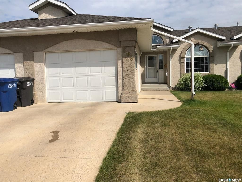 Main Photo: 608 10th Street in Humboldt: Residential for sale : MLS®# SK828667