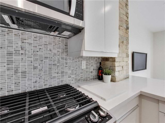 Photo 7: Photos: 601 C Pape Avenue in Toronto: South Riverdale House (2 1/2 Storey) for lease (Toronto E01)  : MLS®# E4139176