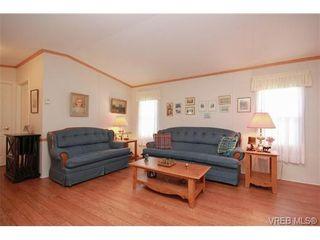 Photo 2: 4 7401 Central Saanich Rd in SAANICHTON: CS Saanichton Manufactured Home for sale (Central Saanich)  : MLS®# 657008