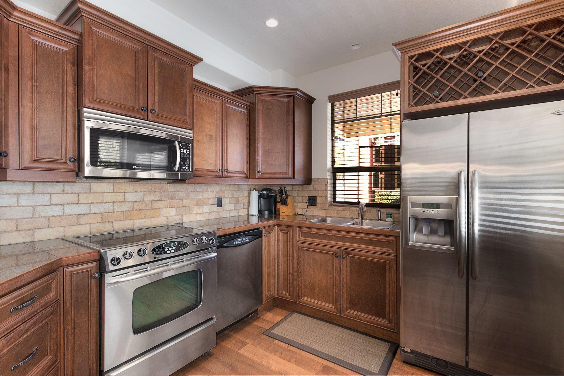 Main Photo: 204 2770 Auburn Road in West Kelowna: Shannon Lake House for sale (Central Okanagan)  : MLS®# 10176711