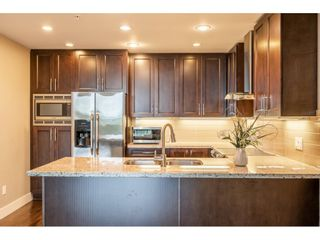Photo 5: 402 1415 PARKWAY BOULEVARD in Coquitlam: Westwood Plateau Condo for sale : MLS®# R2416229