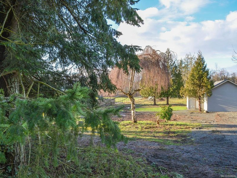 FEATURED LISTING: 3760 Island Hwy South CAMPBELL RIVER