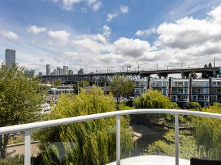 """Photo 28: 407 1551 MARINER Walk in Vancouver: False Creek Condo for sale in """"LAGOONS"""" (Vancouver West)  : MLS®# R2383720"""