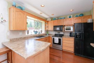 """Photo 8: 12032 CHESTNUT Crescent in Pitt Meadows: Mid Meadows House for sale in """"Somerset"""" : MLS®# R2581365"""