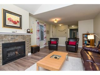 "Photo 4: 4 18883 65 Avenue in Surrey: Cloverdale BC Townhouse for sale in ""APPLEWOOD"" (Cloverdale)  : MLS®# R2246448"