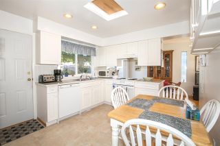 Photo 8: 1739 DANSEY Avenue in Coquitlam: Central Coquitlam House for sale : MLS®# R2100679