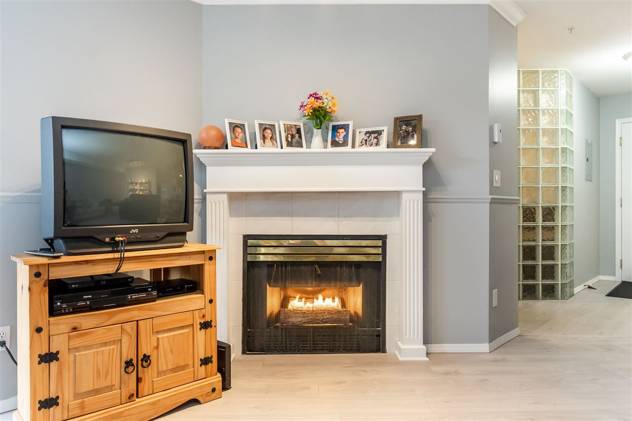 """Photo 7: Photos: 114 2750 FAIRLANE Street in Abbotsford: Central Abbotsford Condo for sale in """"The Fairlane"""" : MLS®# R2543289"""
