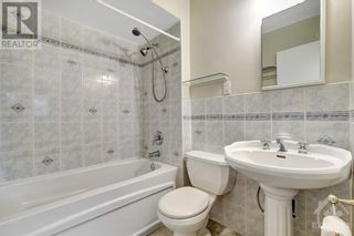 Photo 14: 24 CHARING ROAD in Ottawa: House for sale : MLS®# 1257303
