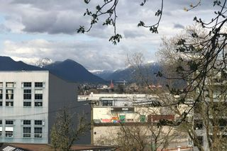 Photo 4: 222 350 E 2ND Avenue in Vancouver: Mount Pleasant VE Condo for sale (Vancouver East)  : MLS®# R2152124