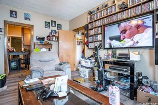 Photo 8: 2105 20th Street West in Saskatoon: Pleasant Hill Residential for sale : MLS®# SK863933