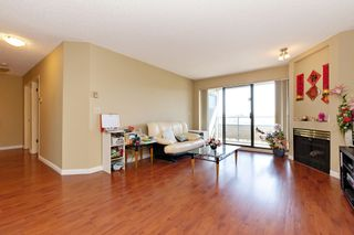 "Photo 5: 311 2925 GLEN Drive in Coquitlam: North Coquitlam Condo for sale in ""GLENBOROUGH"" : MLS®# R2492747"