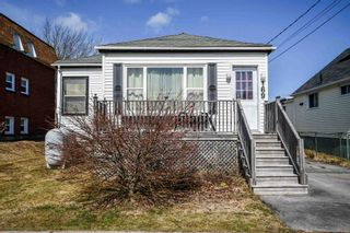 Photo 1: 169 Main Avenue in Fairview: 6-Fairview Residential for sale (Halifax-Dartmouth)  : MLS®# 202105999