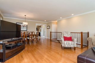 Photo 3: 1413 MILFORD Avenue in Coquitlam: Central Coquitlam House for sale : MLS®# R2261566