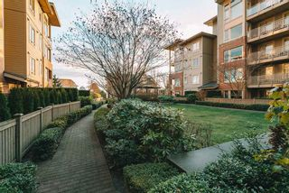 "Photo 12: 123 119 W 22ND Street in North Vancouver: Central Lonsdale Condo for sale in ""Anderson Walk"" : MLS®# R2541682"