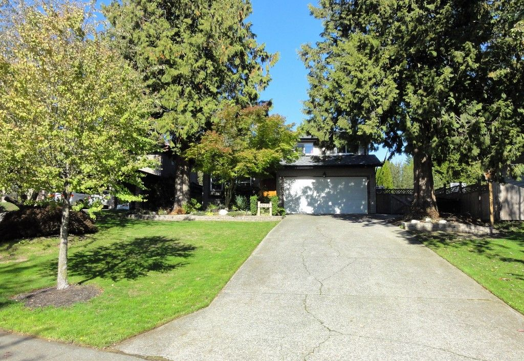 SUPER FAMILY HOME!  Tons of Updates + HUGE 10,044 SF Lot!  New Roof & Gutters, Updated Windows, Hardwood Floors + More!