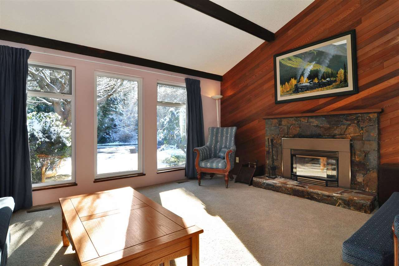 Main Photo: 1208 GABRIOLA Drive in Coquitlam: New Horizons House for sale : MLS®# R2240859