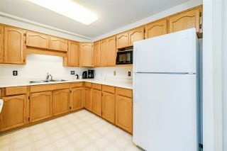 """Photo 10: 312 5710 201 Street in Langley: Langley City Condo for sale in """"WHITE OAKS"""" : MLS®# R2387162"""