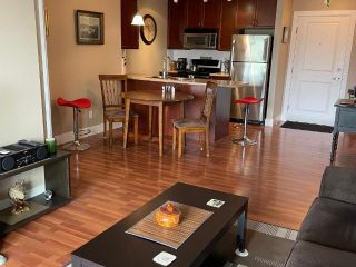 Photo 2: #216 246 HASTINGS Avenue, in Penticton: House for sale : MLS®# 190789