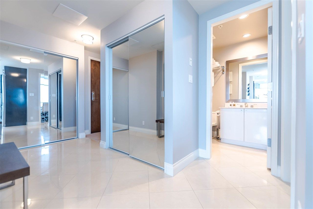 """Photo 6: Photos: 1004 172 VICTORY SHIP Way in North Vancouver: Lower Lonsdale Condo for sale in """"Atrium at the Pier"""" : MLS®# R2147061"""