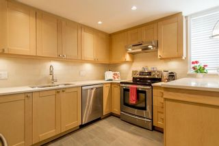 Photo 4: 2383 Cypress Street in Vancouver: Townhouse  : MLS®# R2066659