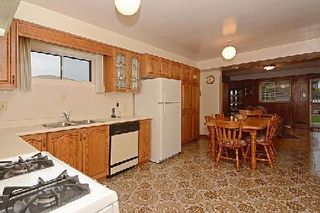 Photo 6: 113 Hickorynut Drive in Toronto: Pleasant View House (Bungalow-Raised) for sale (Toronto C15)  : MLS®# C3037730