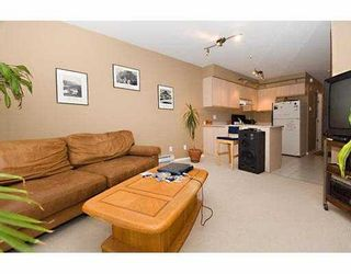 Photo 3: 404 2133 Dundas St in Vancouver: Hastings Condo for sale (Vancouver East)