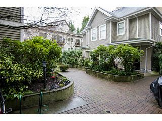 "Photo 11: 303 2588 ALDER Street in Vancouver: Fairview VW Condo for sale in ""BOLLERT PLACE"" (Vancouver West)  : MLS®# V1101808"