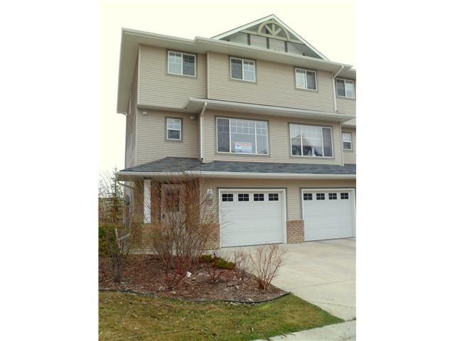 Main Photo: 86 CRYSTAL SHORES Cove: Okotoks Townhouse for sale : MLS®# C3535834