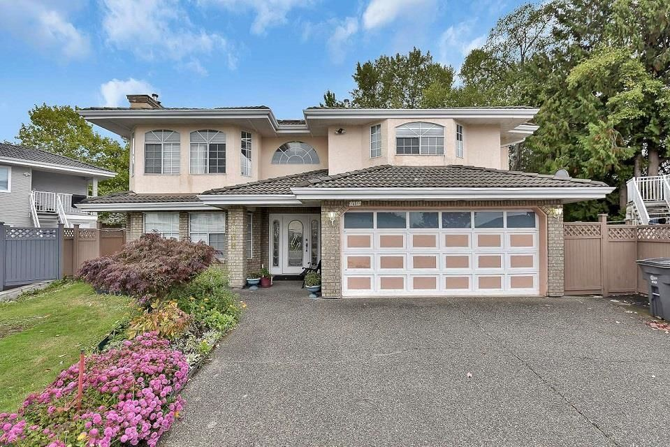 Main Photo: 7088 126B Street in Surrey: West Newton House for sale : MLS®# R2621125
