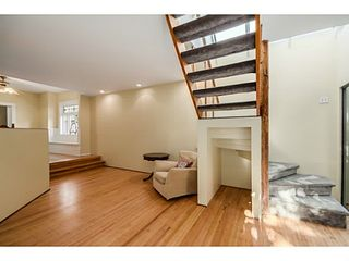 """Photo 9: 284 E 18TH Avenue in Vancouver: Main House for sale in """"Main Street"""" (Vancouver East)  : MLS®# V1068280"""