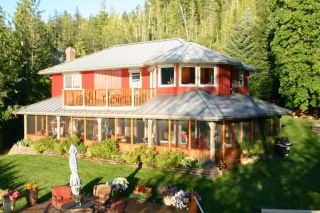 Photo 14: 6017 Eagle Bay Road in Eagle Bay: Waterfront Residential Detached for sale : MLS®# SOLD