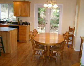 Photo 4: 960 SEAWARD Close in Gibsons: Gibsons & Area House for sale (Sunshine Coast)  : MLS®# V626769