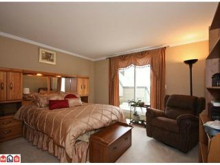 "Photo 6: 16 5811 122 Street in Surrey: Panorama Ridge Townhouse for sale in ""Lakebridge"" : MLS®# F1005861"