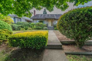 "Photo 1: 2336 W 19TH Avenue in Vancouver: Arbutus House for sale in ""Arbutus"" (Vancouver West)  : MLS®# R2493326"