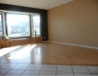 Photo 6: 258 MAPLE GROVE Crescent: Strathmore Residential Detached Single Family for sale : MLS®# C3414444